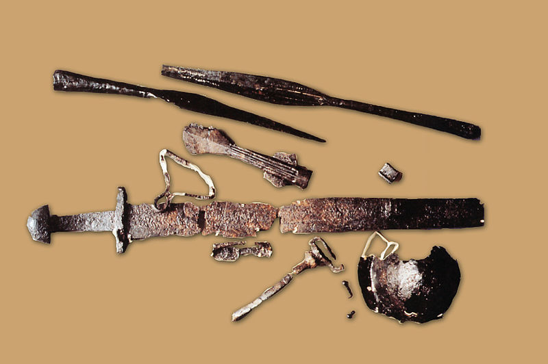 Armes du Xe siècle trouvées dans le camp de Péran